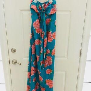 Beautiful spring-summer dress. Strapless xs.